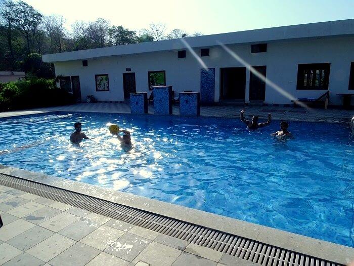 pool resorts in jim corbett