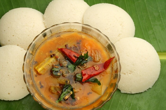 savour the taste of the popular kerala cuisine Idli Sambar