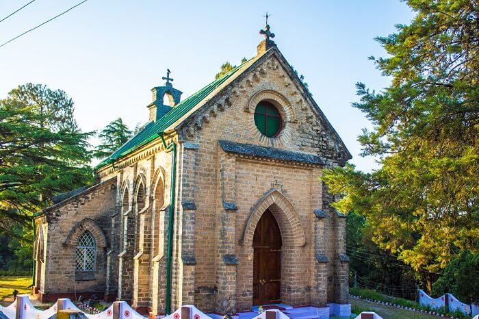 visit the many attractions like churches of Lansdowne n december