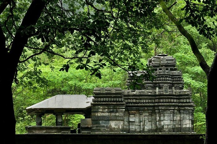 visit Mahadeva Temple in goa