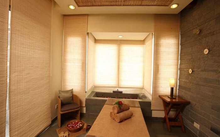 Moksha Himalaya Spa Resort treatment room
