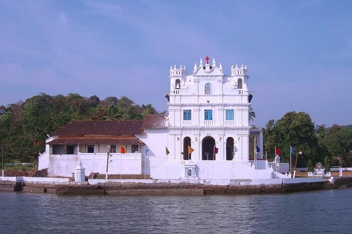 visit Our Lady of Penha de Franca Church in goa
