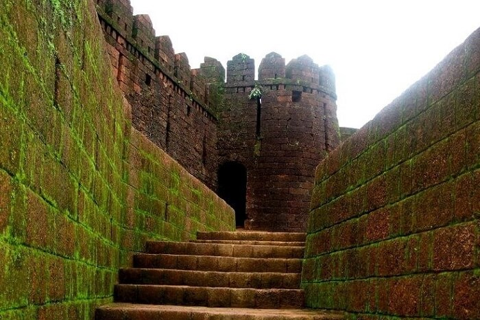 visit Shivaji Fort in dandeli