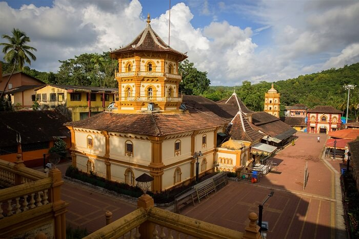visit Shri Kamakshi Temple in goa