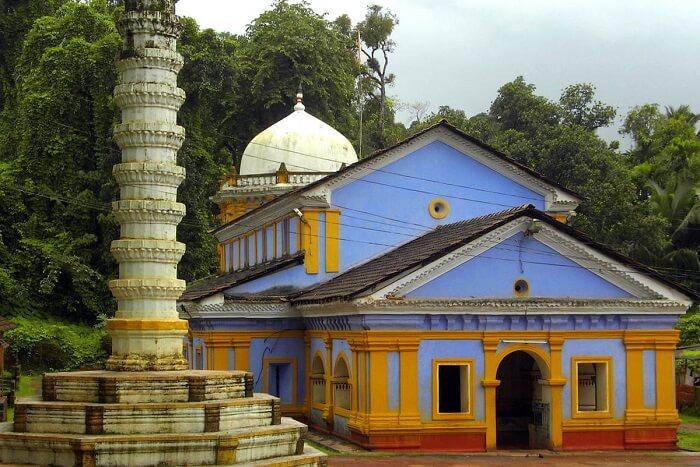 visit Shri Saptakoteshwar Temple in goa