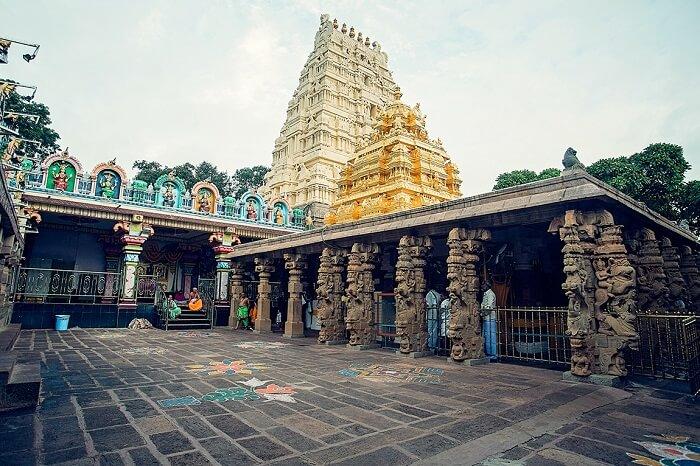 visit Sri Mallikarjuna Temple in dandeli