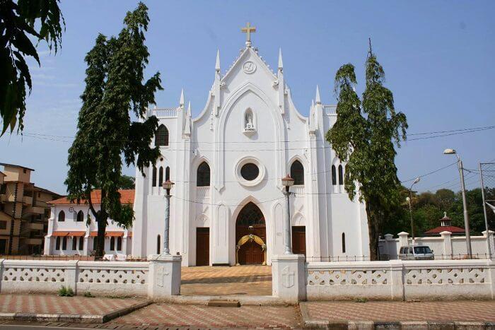 visit St. Andrew's Church in goa