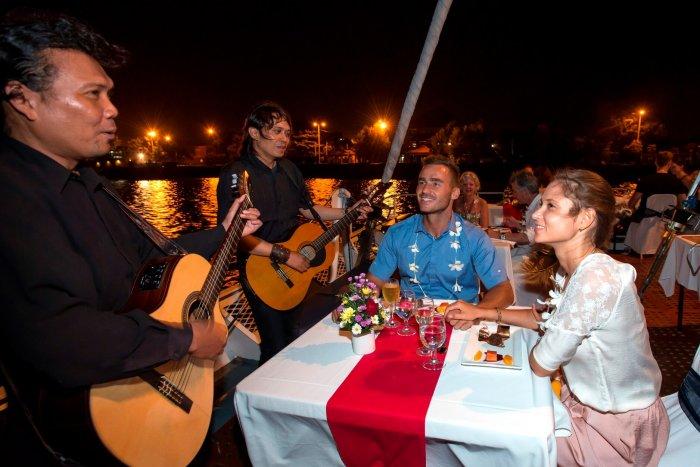 dinner cruise in bali