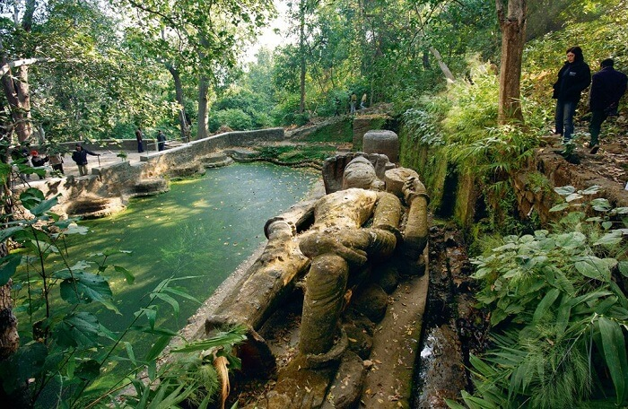 Bandhavgarh Fort vishnu statue