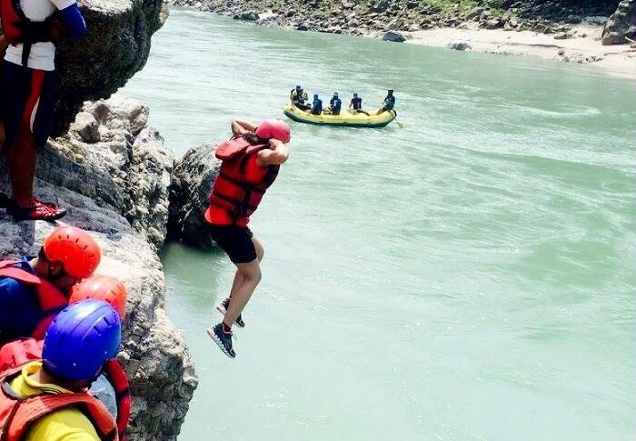 cliff jumping rishikesh