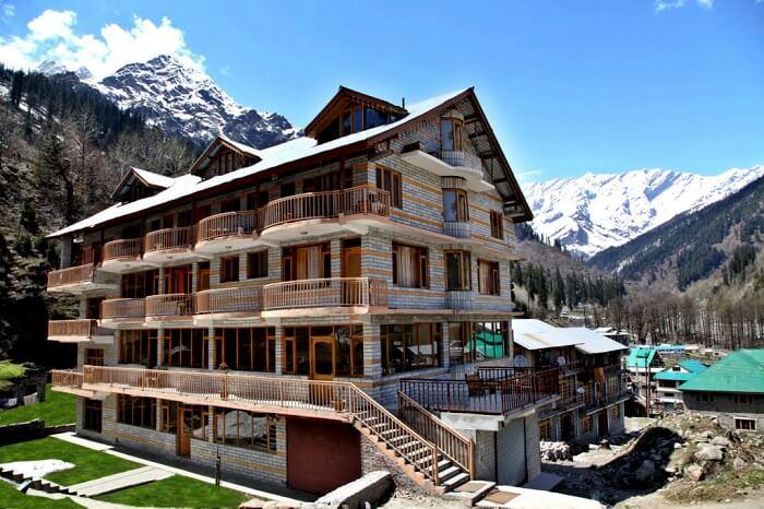 hotel solang holiday inn