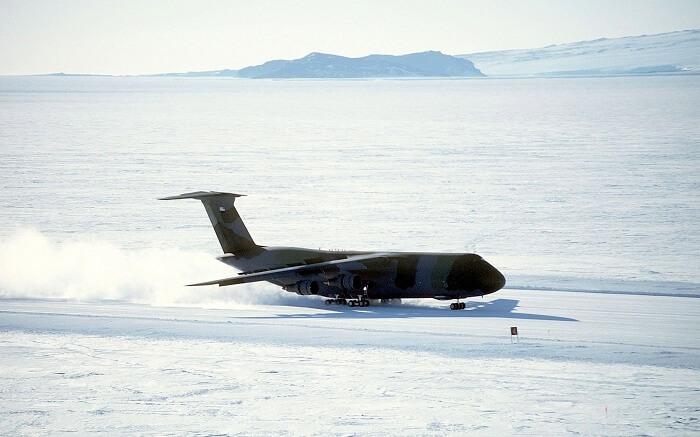 plane on ice runway