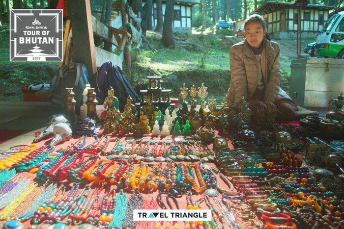 souvenir shop before tiger nest trek