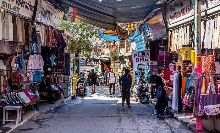 shopping in rishikesh market