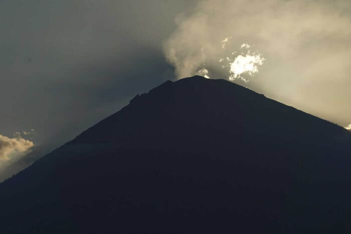 steam from mount agung