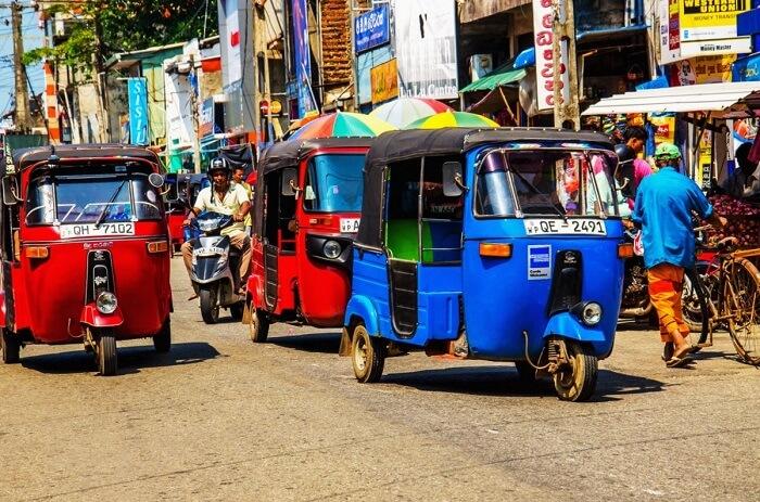 Tuk-tuk ride in Colombo