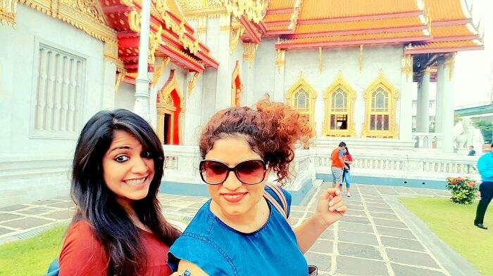 friends trip to thailand