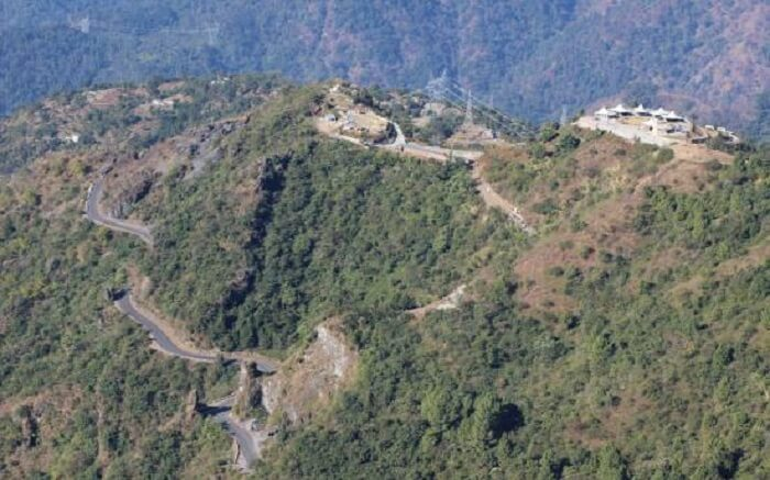 An aerial view of the road that leads to the Kunjapuri Temple Trek in Rishikesh