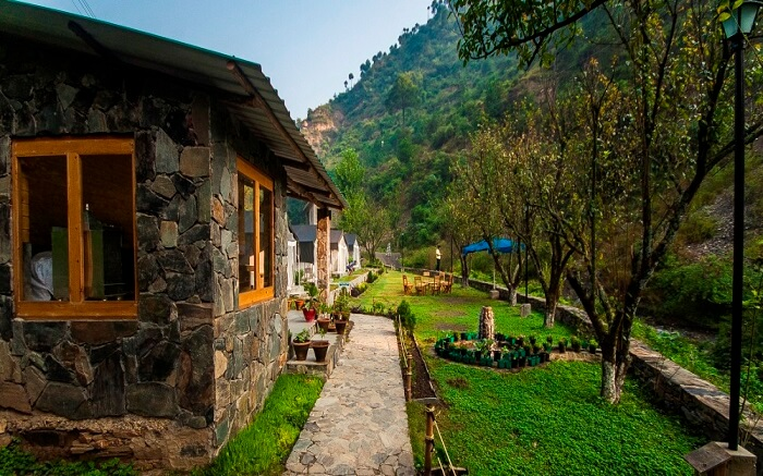 Camps and resorts at Hail Himalayas in Shimla surrounded by mountains