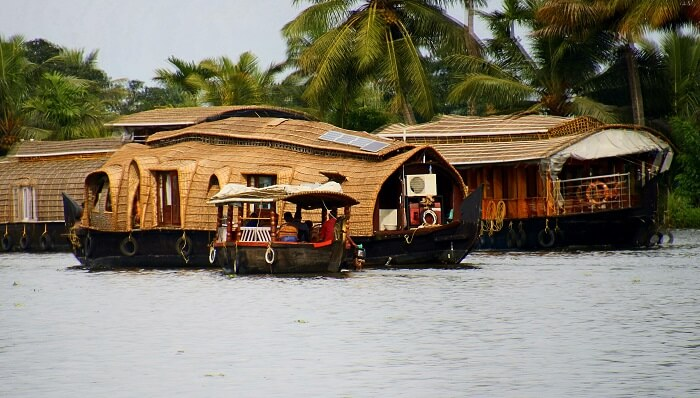 houseboat in alleppey