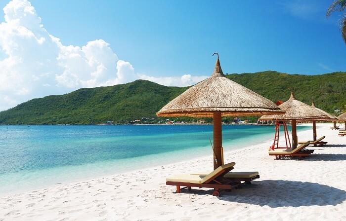 Doc Let Beach, Hon Khoi Peninsula