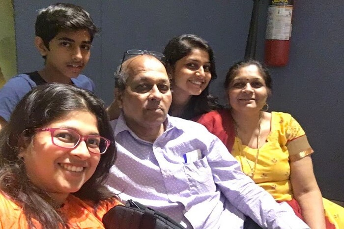 saurabhi singapore family trip: at the airport