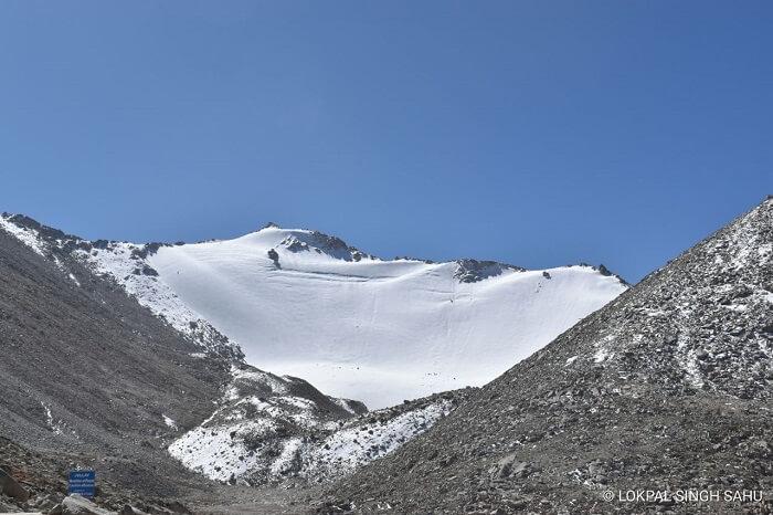 lokpal romantic trip to ladakh: snowy hills