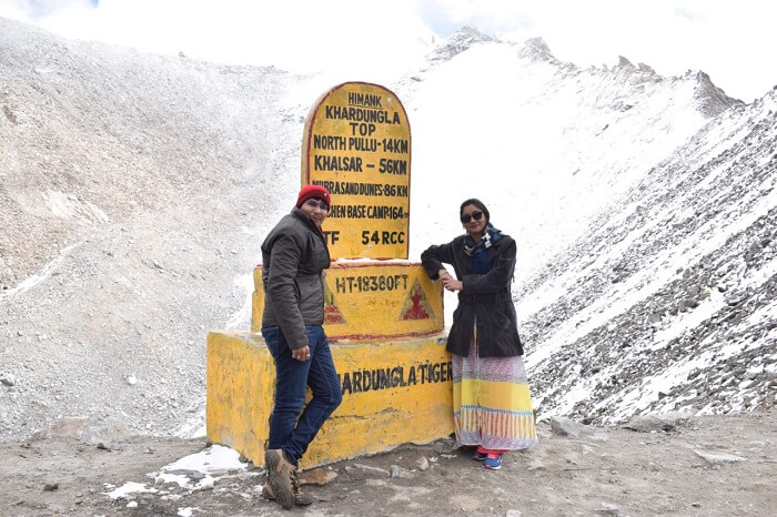lokpal romantic trip to ladakh: lokpal and wife at khardungla