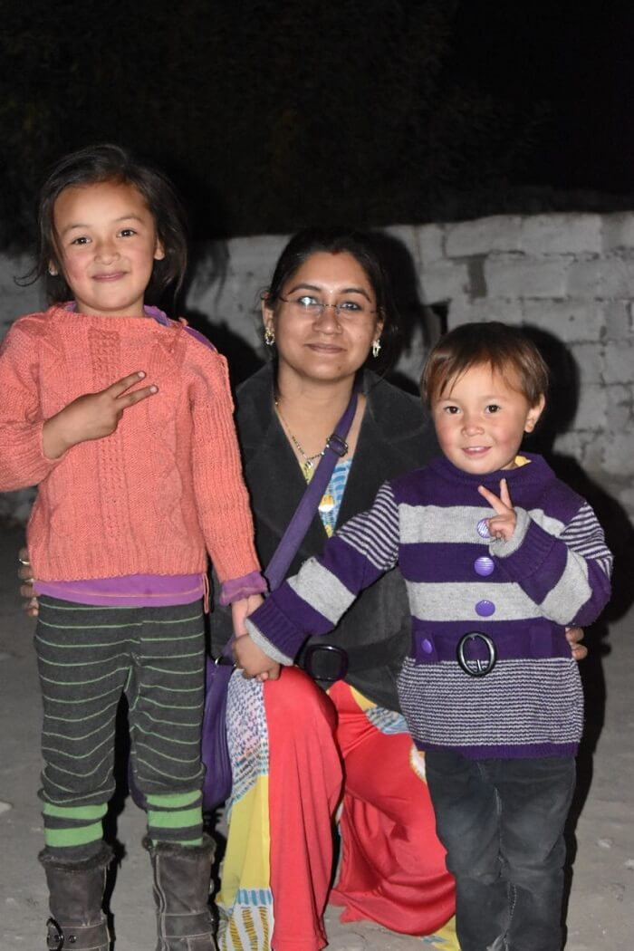 lokpal romantic trip to ladakh: lokpal's wife with ladakh kids