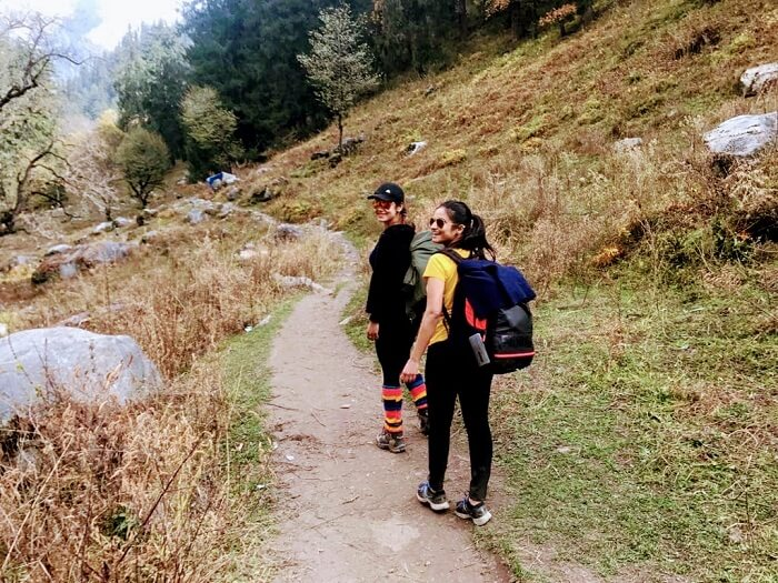 girls on kheerganga treks