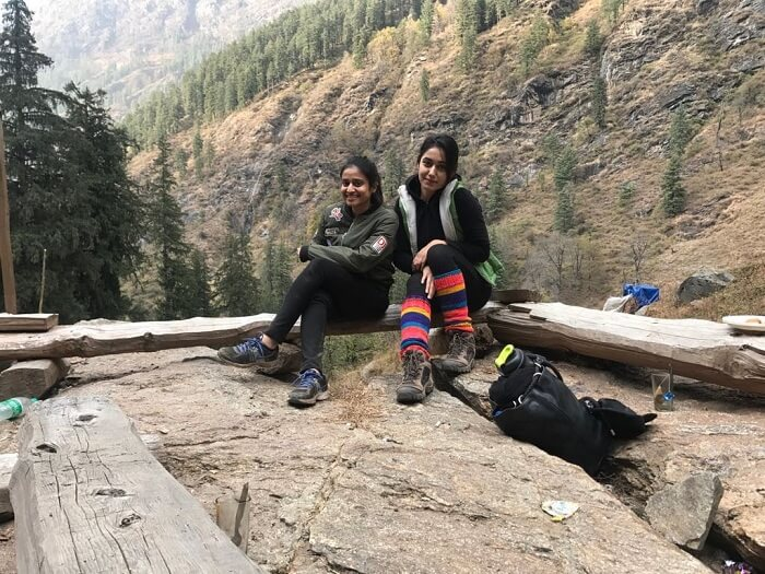 friends on a girl trip to kheerganga