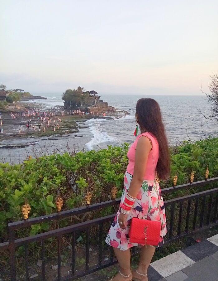 pankaj honeymoon trip to bali: at tanah lot