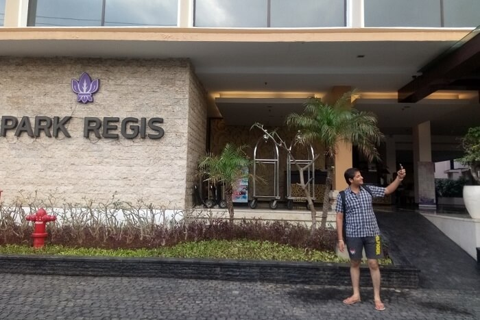pankaj honeymoon trip to bali: outside park regis