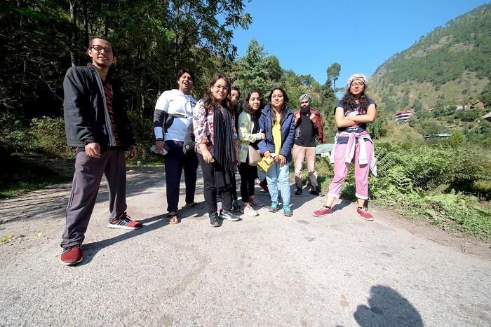 trekking near tirthan