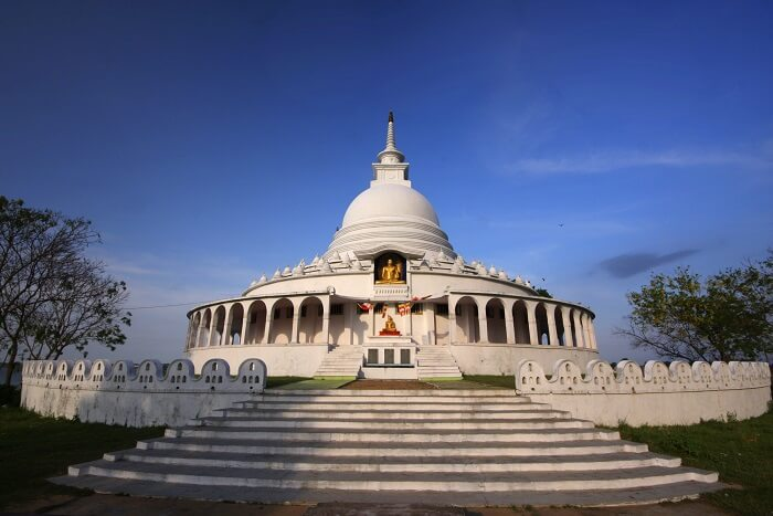 Rediscover yourself at the Japanese Peace Pagoda in Sri Lanka