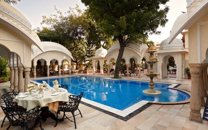 Take a romantic stay at Luxury Villas Jaipur