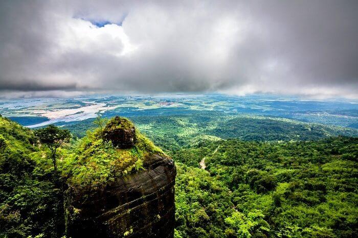 reasons to visit cherrapunji