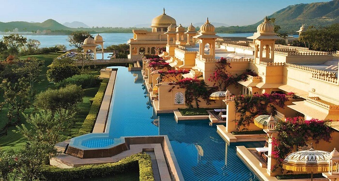 luxury hotel in udaipur