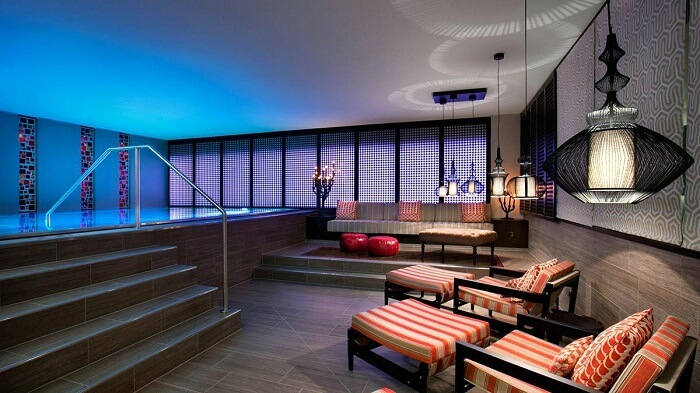 palais hotel pool