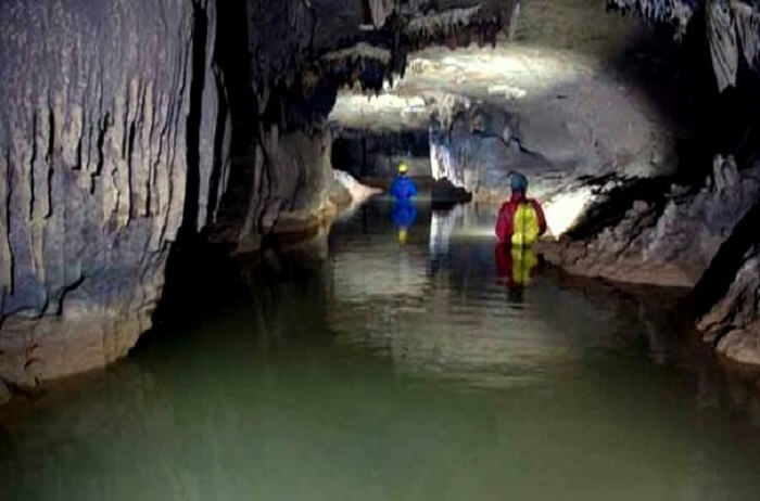 caves in cherrapunji