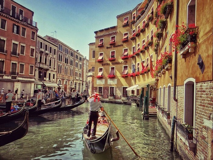 old world feel in venice