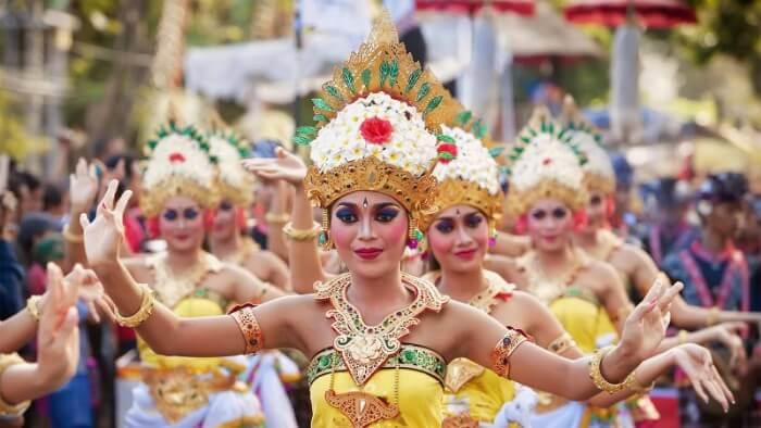 women of bali performing dance
