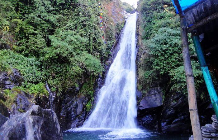 Bhagsu Falls, Mcleodganj