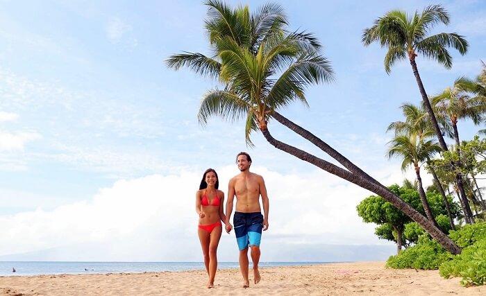 Honeymoon couple in Maui, Hawaii