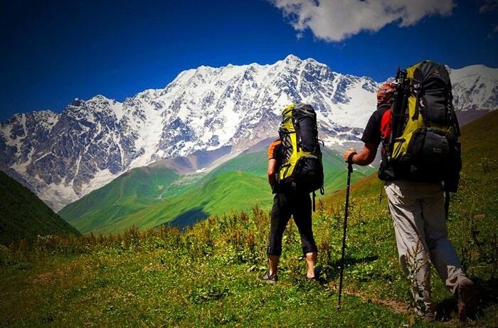 Trekking in Naukuchiatal