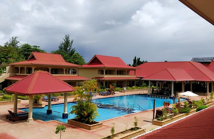 sandeep seychelles trip: beachside hotel