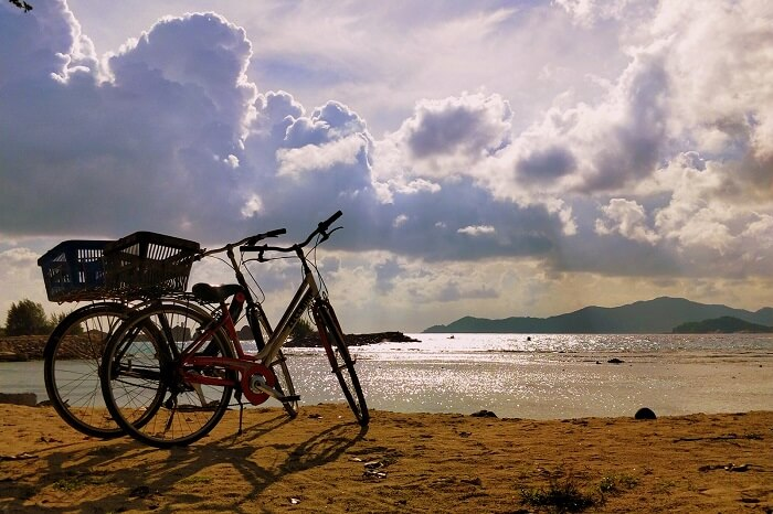 sandeep seychelles trip: cycling on praslin
