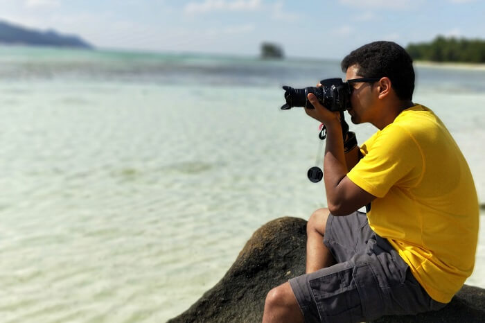 sandeep seychelles trip: sandeep taking pics