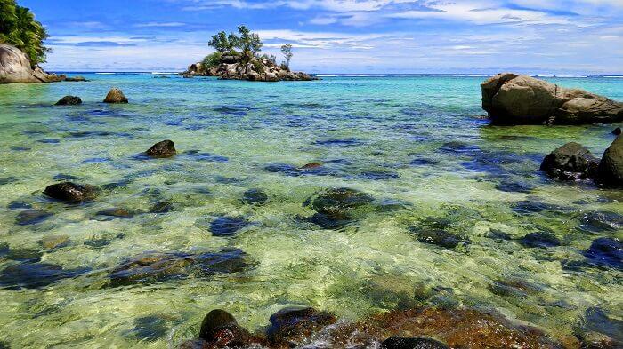 sandeep seychelles trip: mahe beach