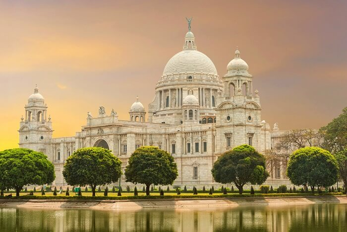 Reminisce The Historical Times In Victoria Memorial Palace